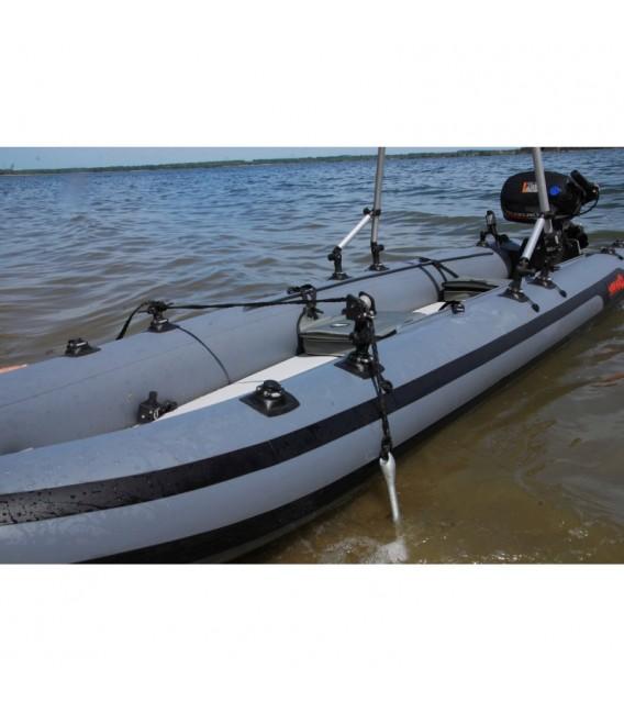Inkaro virvės fiksavimo mazgas su montavimo platforma skirta pripučiamoms valtims